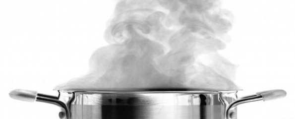 Pot-of-Boiling-Water-595x240